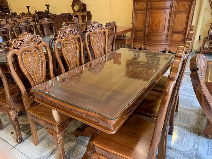 Bộ bàn ăn 6 ghế gỗ tự nhiên được ưa chuộng nhất tại Sài Gòn4