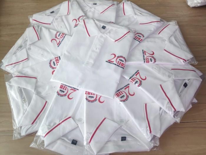 Áo thun đồng phục màu trắng phối bo sọc đỏ0