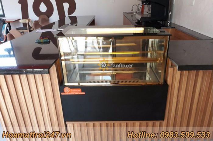 Tủ bánh kem 90cm kính vuông1
