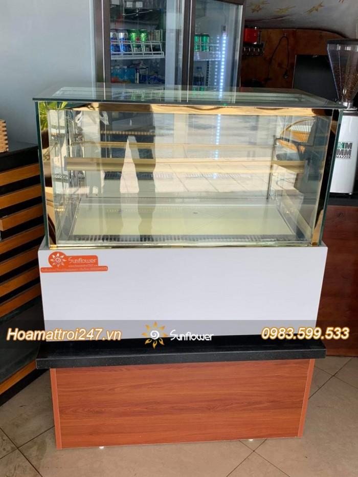 Tủ bánh kem 90cm kính vuông4