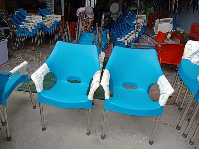 Ghế nhựa đúc nhjiều màu0