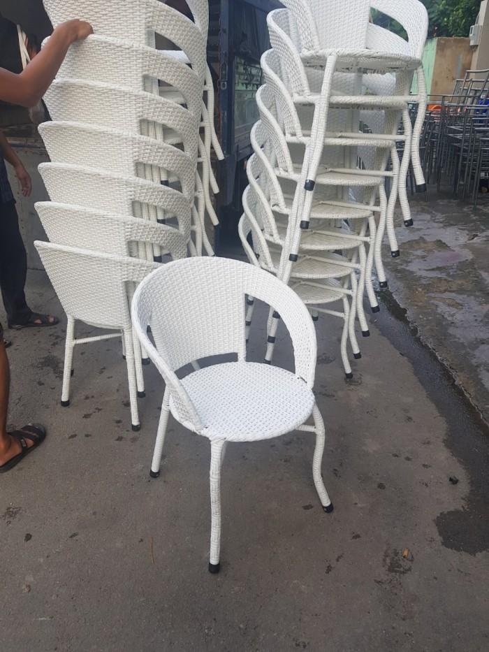 Cần thanh lý 100 ghế mây nhựa giá rẻ..4