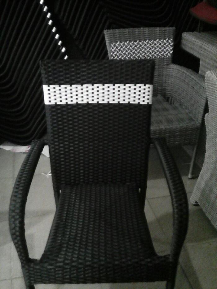 Cần thanh lý 100 ghế mây nhựa giá rẻ..5