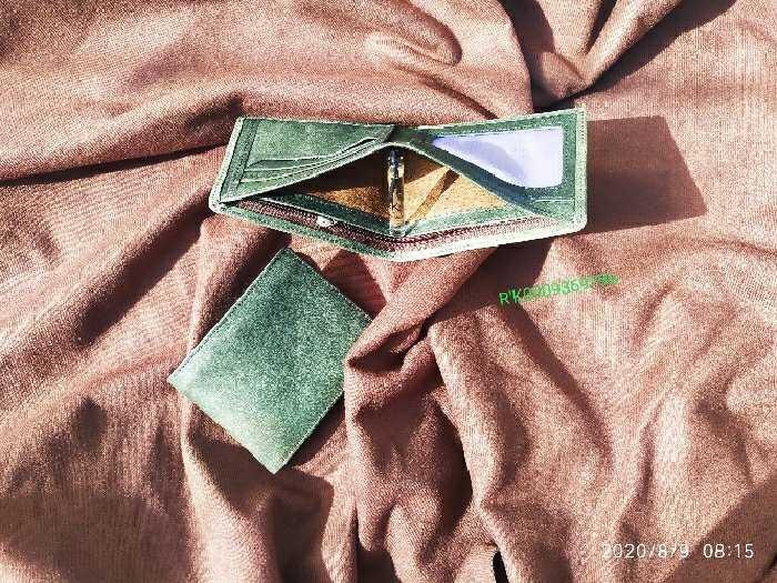 Ví da bò sáp xanh rêu thơm Gu8002