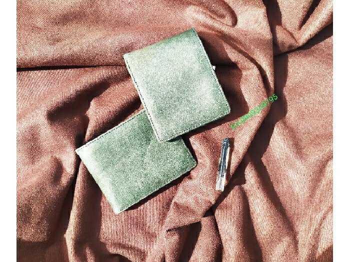 Ví da bò sáp xanh rêu thơm Gu8004