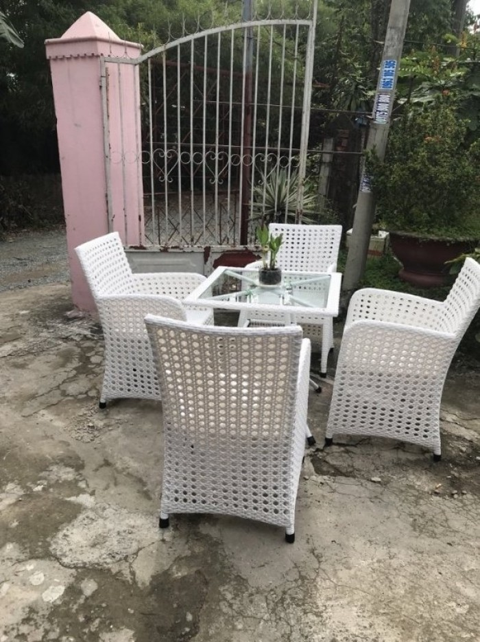 Bàn ghế gi a na màu nâu bàn vuông làm tại xưởng sản xuất anh khoa0
