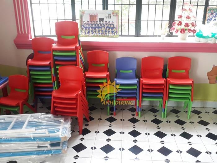 Ghế nhựa đúc nhập khẩu bền chắc, nhiều màu sắc cho trẻ em giá TỐT1