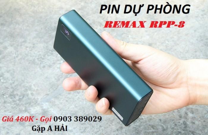Pin sạc dự phòng Remax RPP-8 3 cổng sạc cho khả năng sạc 3 thiết bị cùng lúc