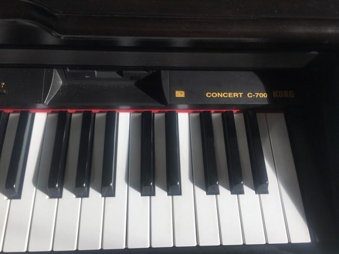 Piano điện korg c-700