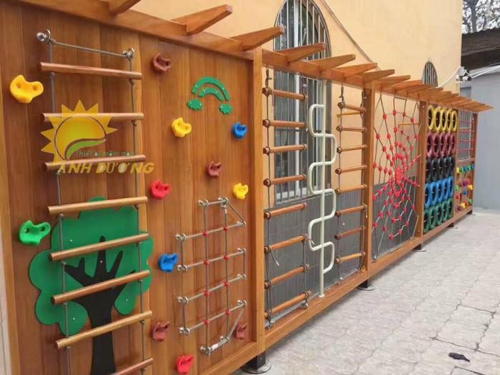 Chuyên bán tường leo núi vận động trẻ em cho trường mầm non, sân chơi, TTTM9