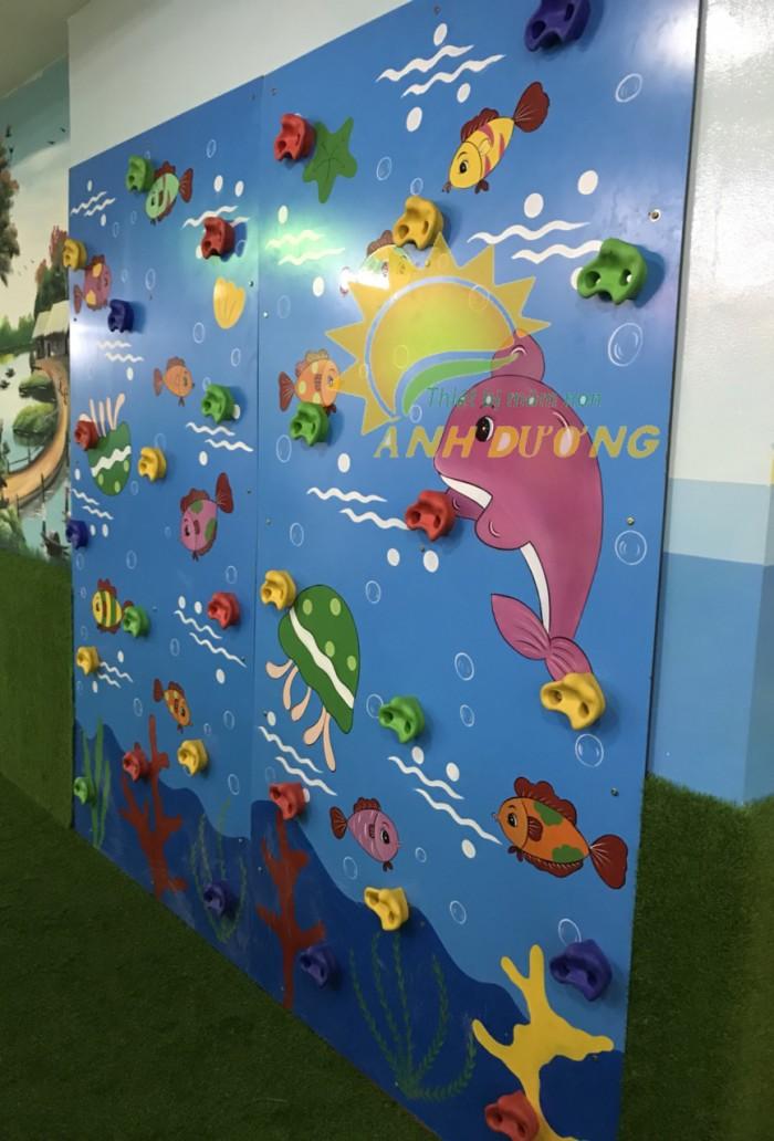 Chuyên bán tường leo núi vận động trẻ em cho trường mầm non, sân chơi, TTTM14