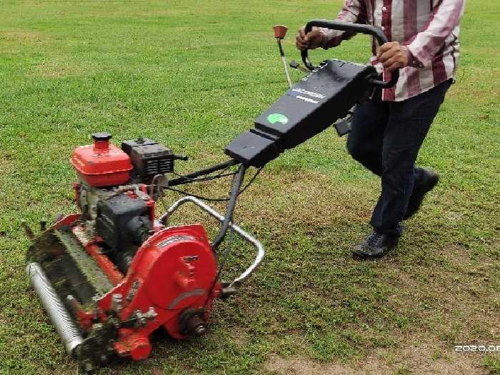 Máy cắt cỏ sân golf đẩy tay chạy xăng