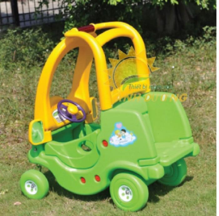 Cung cấp xe chòi chân ô tô dành cho trẻ em vui chơi, vận động1