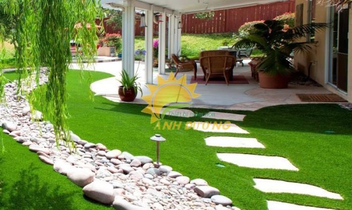 Nhận thi công thảm cỏ nhân tạo xanh tươi giá rẻ, uy tín, chất lượng nhất2