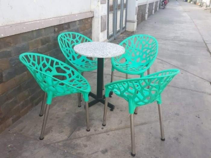 Ghế táo màu xanh lá bàn trân trụ mặt đá hoa cương làm tại xưởng sản xuất anh1