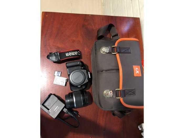 Cần bán máy Canon EOS 600D ít dùng còn mới0