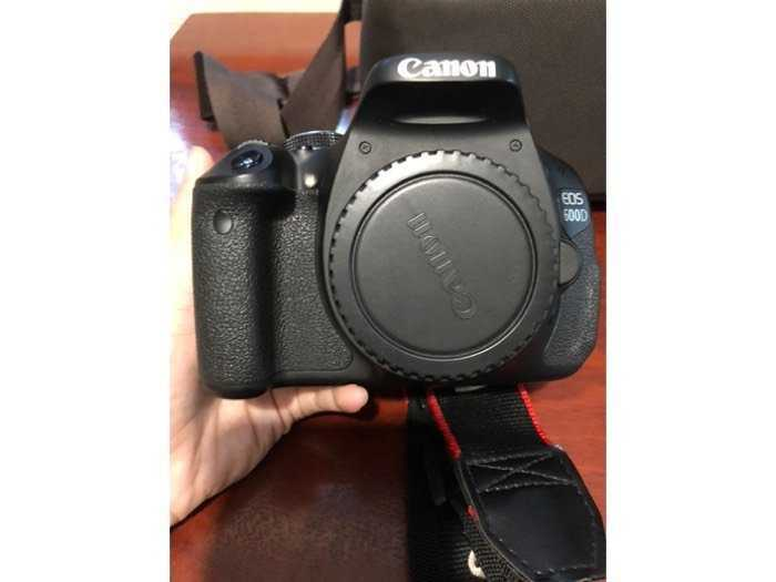 Cần bán máy Canon EOS 600D ít dùng còn mới1