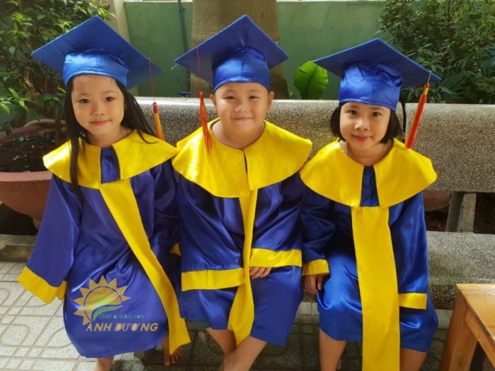 Cung cấp sỉ - lẻ đồng phục tốt nghiệp dành cho trẻ em mầm non giá TỐ1