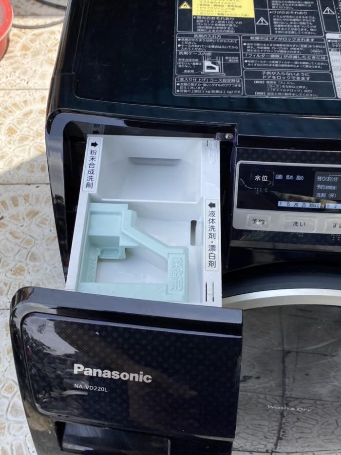 Máy giặt Panasonic NA-VD220 date 20130