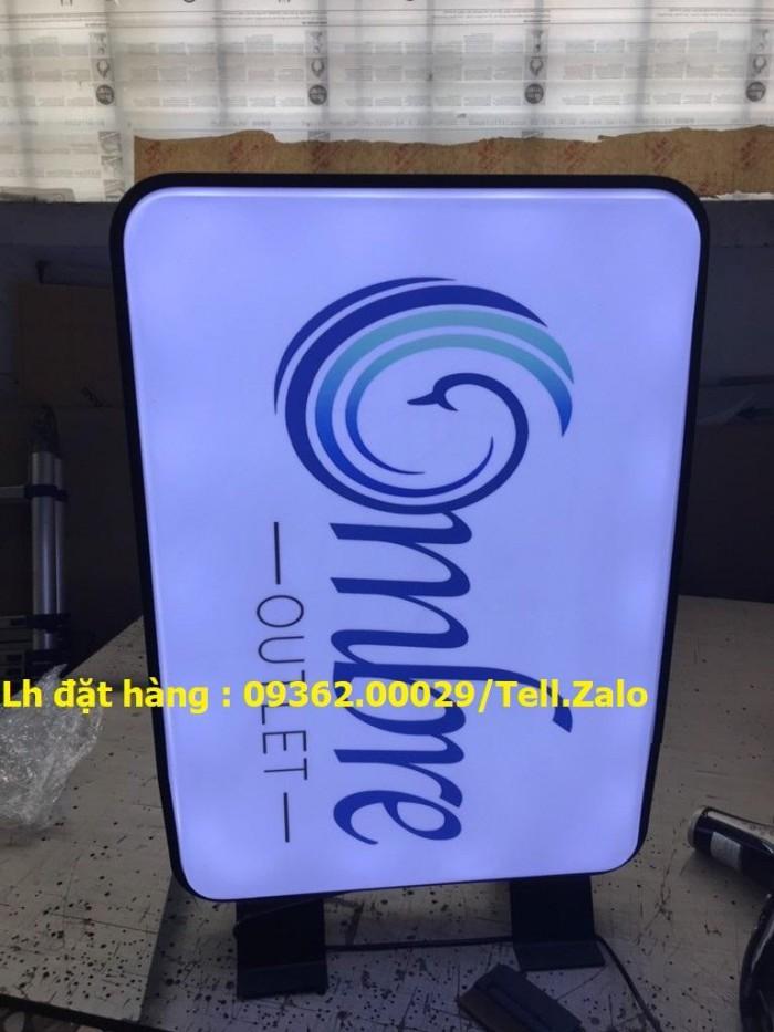 Gia công, lắp đặt tại nhà sản phẩm biển vẫy, biển hút nổi đèn led cho cửa hàn11