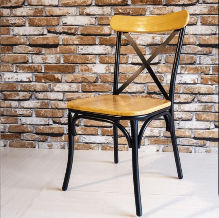 Ghế chữ X (chân sắt, mặt gỗ hoặc nệm)1