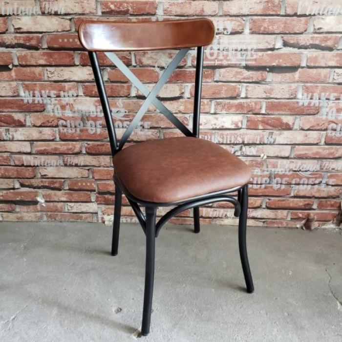 Ghế chữ X (chân sắt, mặt gỗ hoặc nệm)0