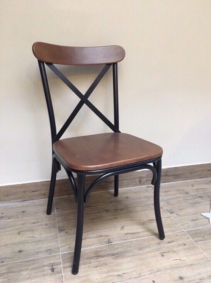 Ghế chữ X (chân sắt, mặt gỗ hoặc nệm)4