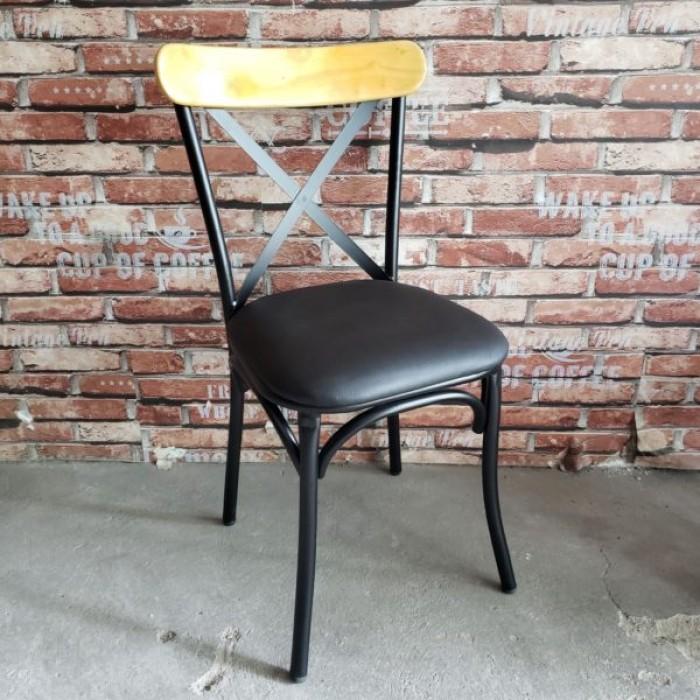 Ghế chữ X (chân sắt, mặt gỗ hoặc nệm)3