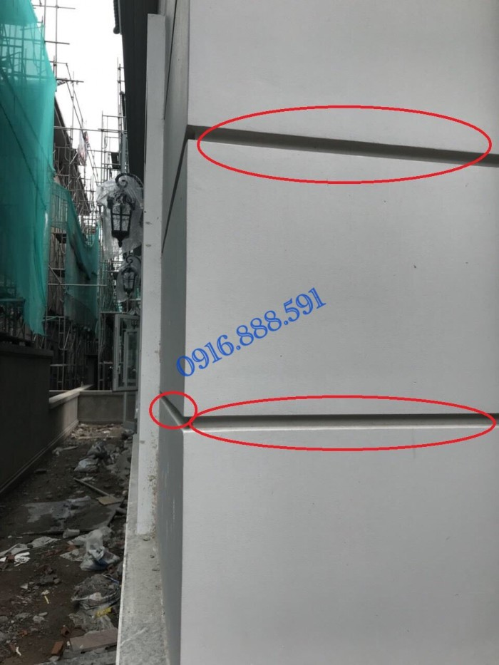Nẹp nhựa cắt chỉ âm tường dạng chữ V, kích thước 20x12mm tại dự án Phố Đông Village Cát Lái Quận 2 HCM5