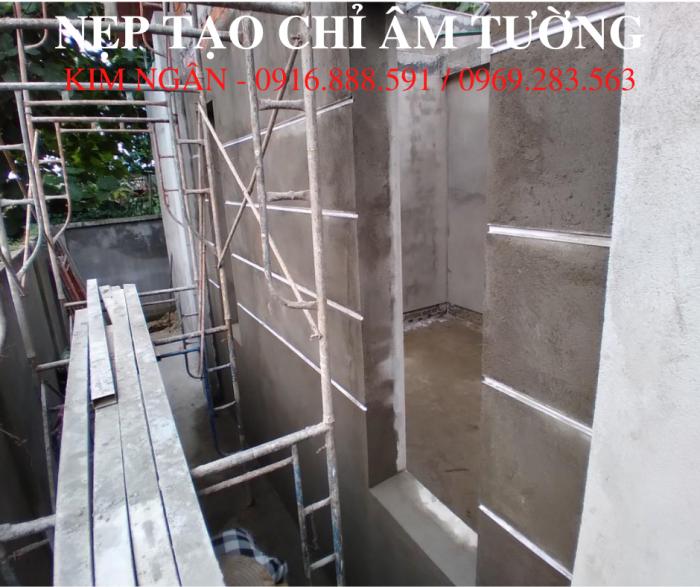 Nẹp nhựa cắt chỉ âm tường dạng chữ U, kích thước 20x12mm tại dự án nhà phố tỉnh Đồng Nai.9