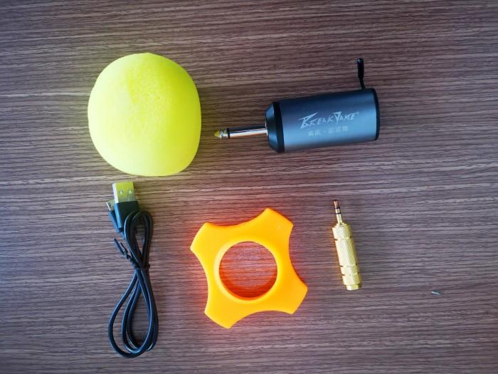Phần khung vỏ của mic được cấu tạo từ kim loại cao cấp mang đến độ bền và khả năng chống chịu va đập tốt nếu chẳng may làm rơi. 6