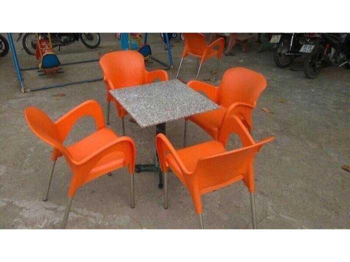 Bàn ghế cafe nhựa đúc giá tại xưởng- Nội Thất Nguyễn Hoàng1