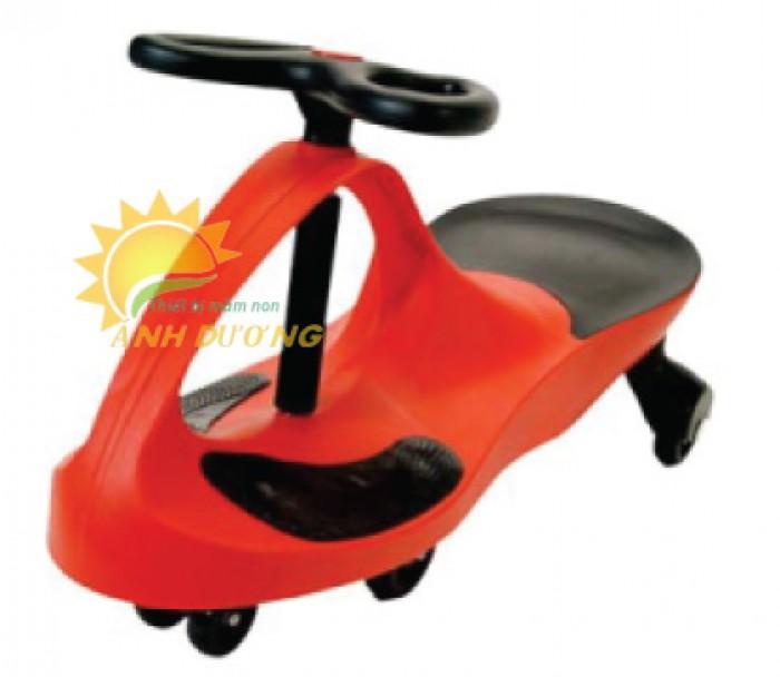 Xe lắc siêu ngầu dành cho bé yêu vui chơi, vận động0