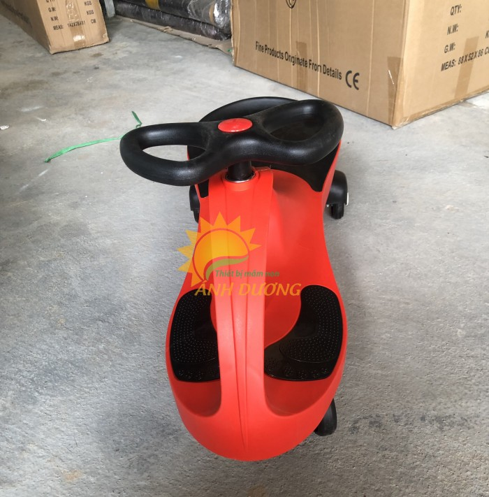 Xe lắc siêu ngầu dành cho bé yêu vui chơi, vận động1