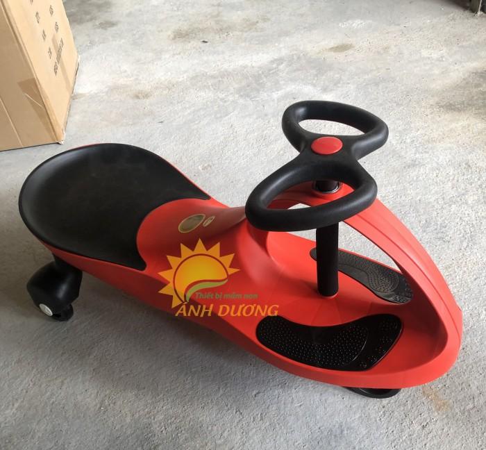 Xe lắc siêu ngầu dành cho bé yêu vui chơi, vận động2