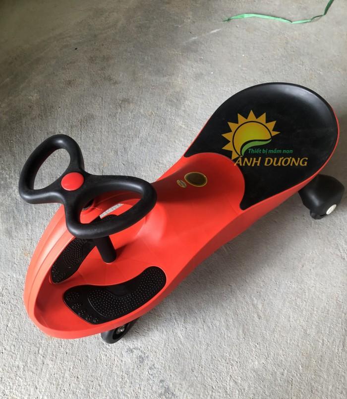 Xe lắc siêu ngầu dành cho bé yêu vui chơi, vận động3