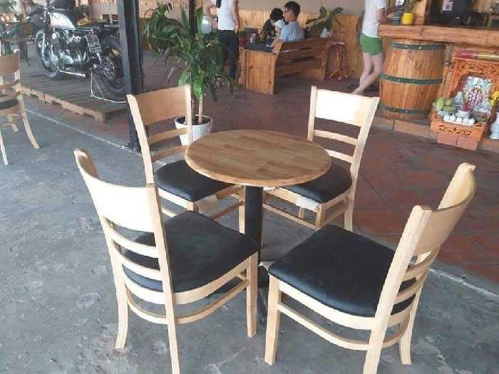 Bộ bàn ghế cafe gỗ cabin giá rẻ