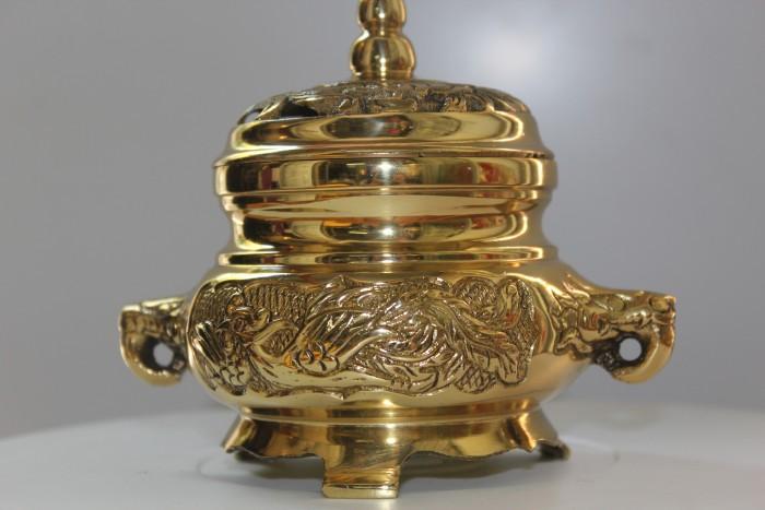 Đỉnh xông trầm bằng đồng vàng nguyên chất4