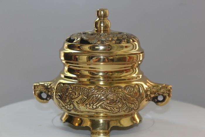 Đỉnh xông trầm bằng đồng vàng nguyên chất3