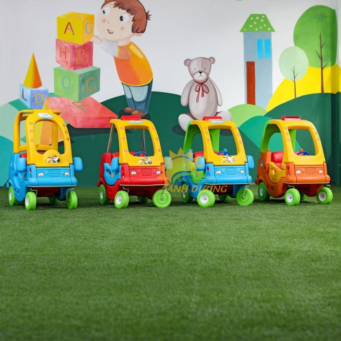 Xe chòi chân dạng xe ô tô dành cho trẻ em mầm non giá rẻ, chất lượng cao8