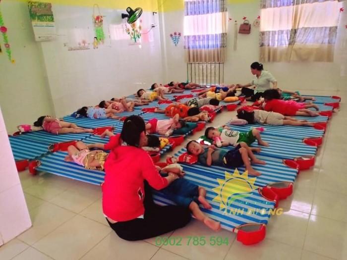 Giường lưới cho bé thoáng mát tiết kiệm diện tích2