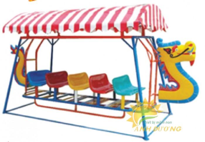 Xích đu thuyền rồng cho trường mầm non, công viên, sân chơi trẻ em0