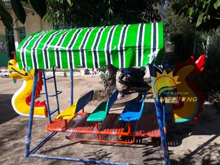 Xích đu thuyền rồng cho trường mầm non, công viên, sân chơi trẻ em4