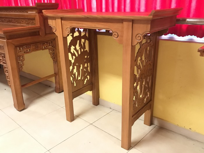 Bộ bàn thờ gia tiên gồm bàn thờ và tủ nhang gỗ gõ đỏ 100% giá rẻ1
