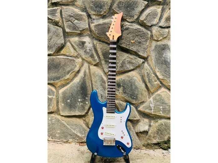 Bán Đàn Guitar Điện Phím Lõm Biên Hoà, Guitar Điện Tân Cổ Nhạc Biên Hoà1