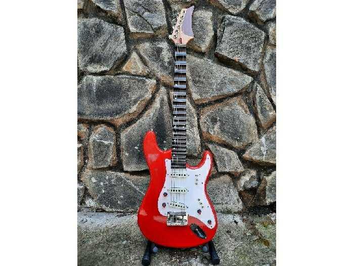 Bán Đàn Điện guitarPhím lõm tại Biên Hòa0