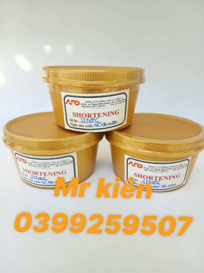 Chuyên cung cấp bơ, shortening dùng sản xuất bánh kẹo, thực phẩm.