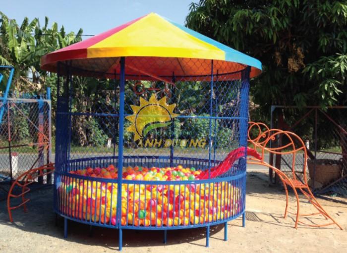 Nhận thi công nhà banh ngoài trời cho trường mầm non, công viên, sân chơi4