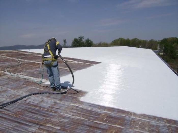 Thi công phun sơn chống nóng mái tôn nhà xưởng