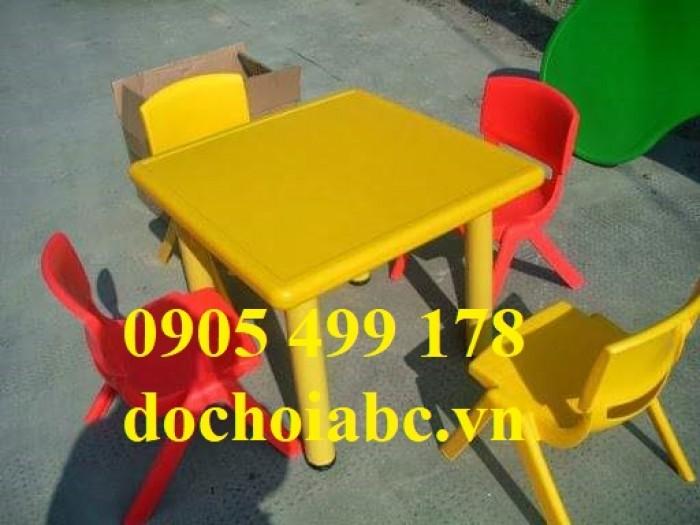 Bàn ghế nhựa cho trẻ mầm non8